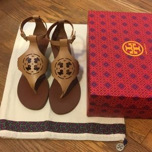 NIB Tory Burch Zoey Wedge Sandals Sand
